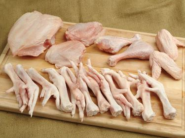 Picture of South Carolina Soy-Free Free Range 4 Whole Chickens & 16 Feet Bundle -ships separately (18lbs)
